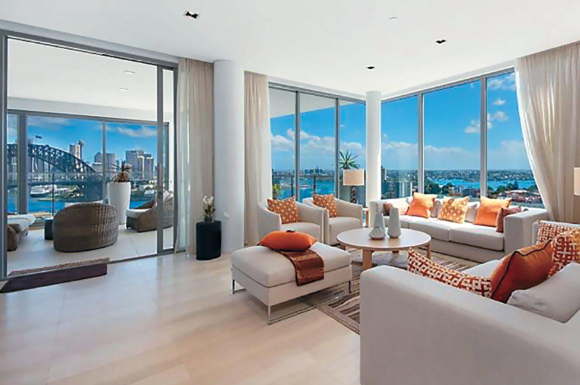 Sydney Rental Property with Sydney Harbour Bridge View