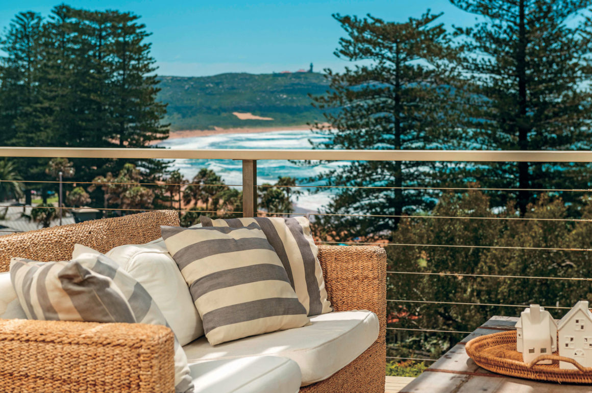Sydney holiday home - outdoor settings with ocean view